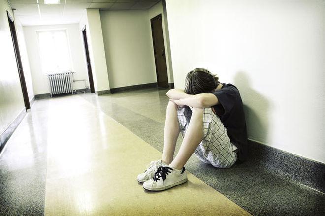 depressed-teen-boy-100911-02
