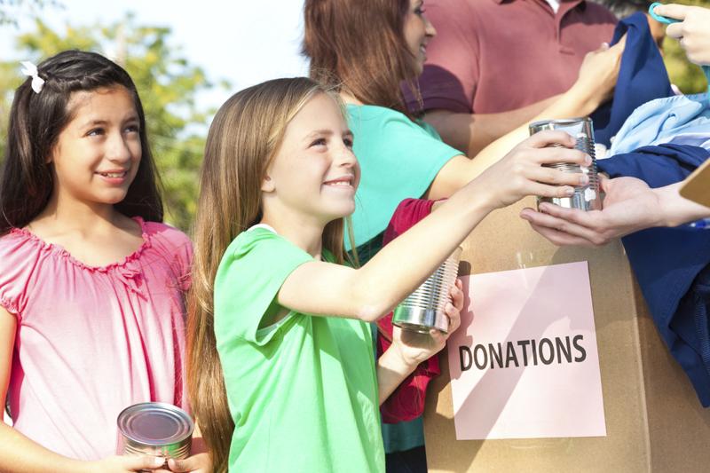 children-donating-to-charit1