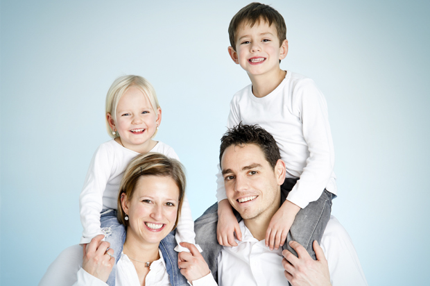 family_in_white