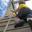 risky_outdoor_play